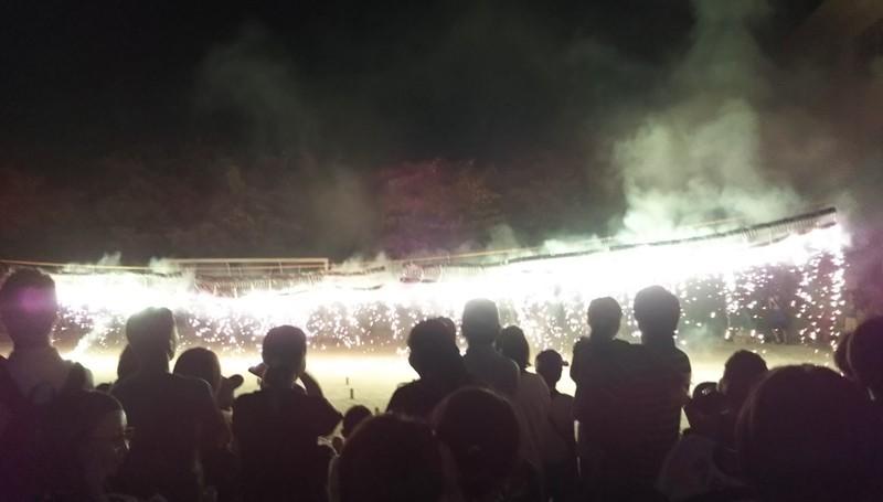 花火:ナイアガラの滝